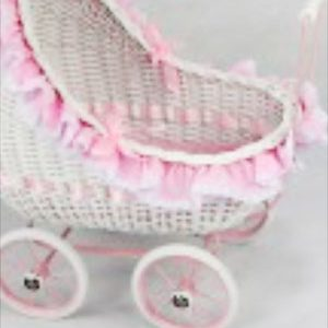 wicker-doll-carriage