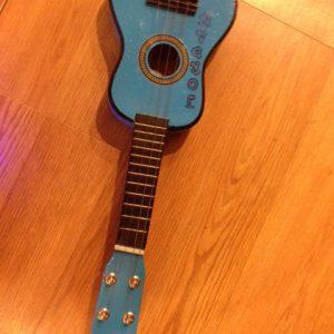 4string-guitar